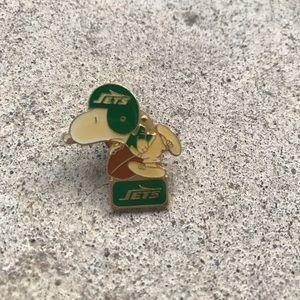 Vintage New York Jets Snoopy Pin